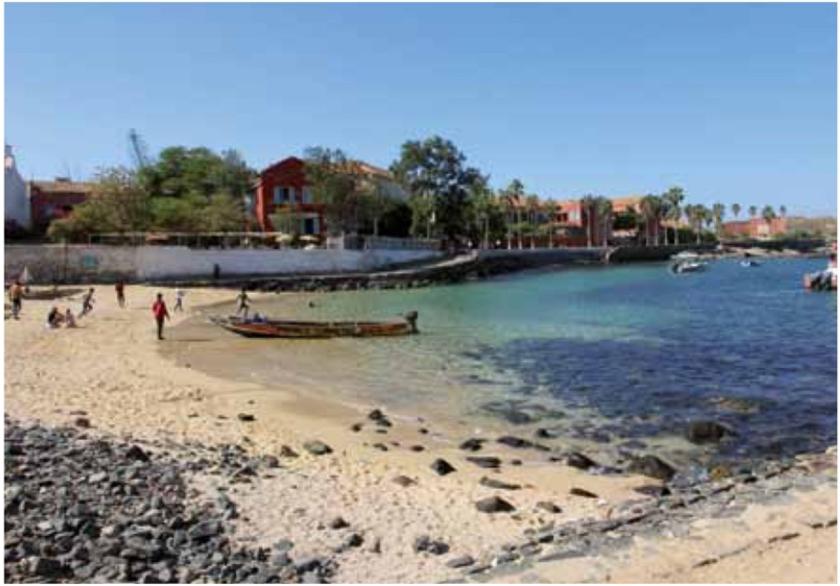 Découverte place aux artistes, L'île de Gorée